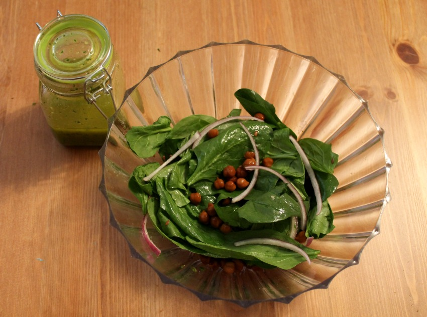 spinach-salad-and-flax-seed-vinaigrette