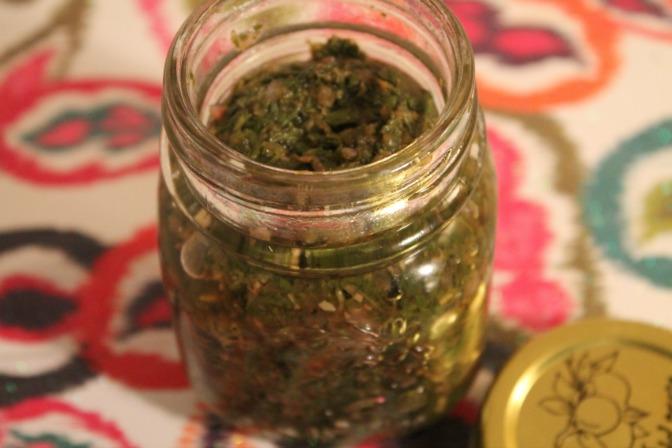 pudina imli chutney | mint and tamarind chutney