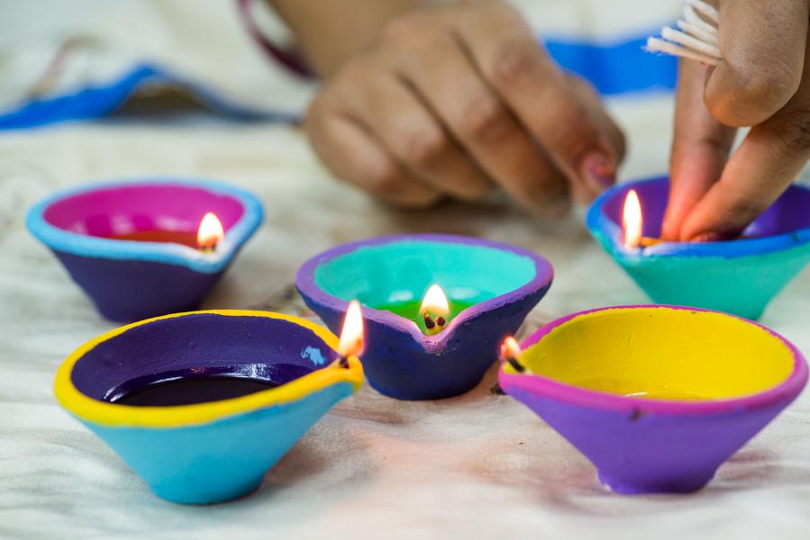 celebrating-diwali-with-kids