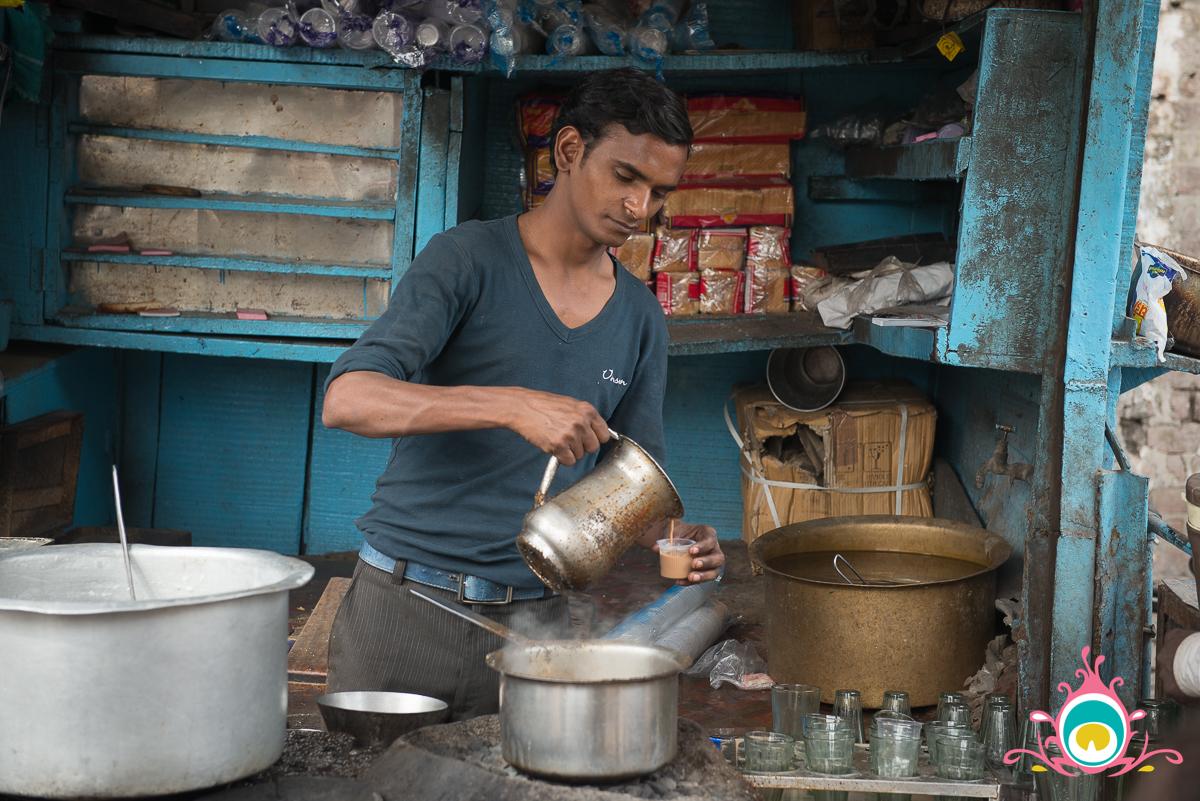 agra travel guide, sikandra bazaar, chai