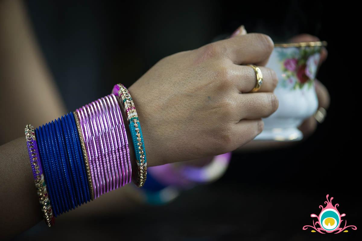 how to wear chudiyan - indian bangles