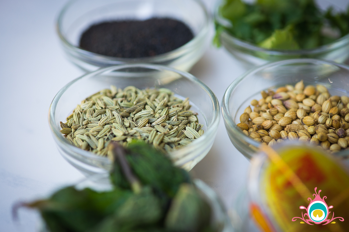 my summer spice box: cooling spices to cook with in the summer