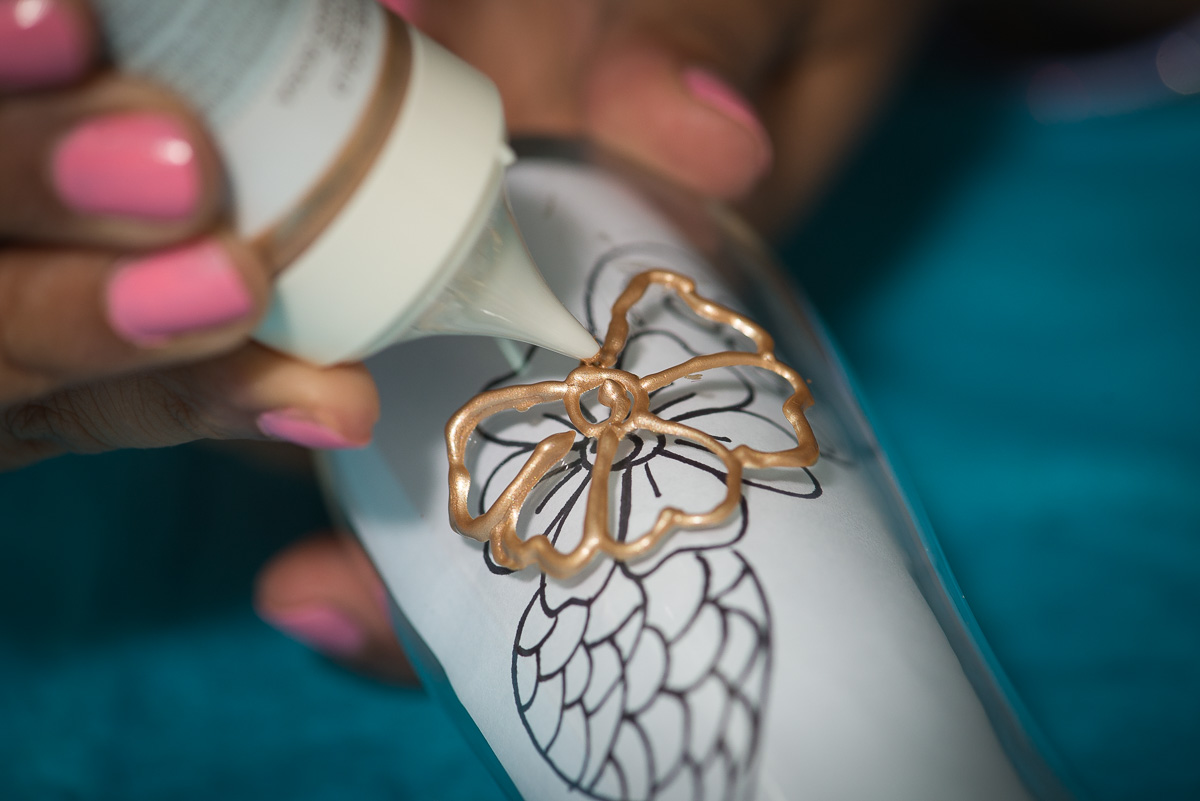 henna champagne flutes diy