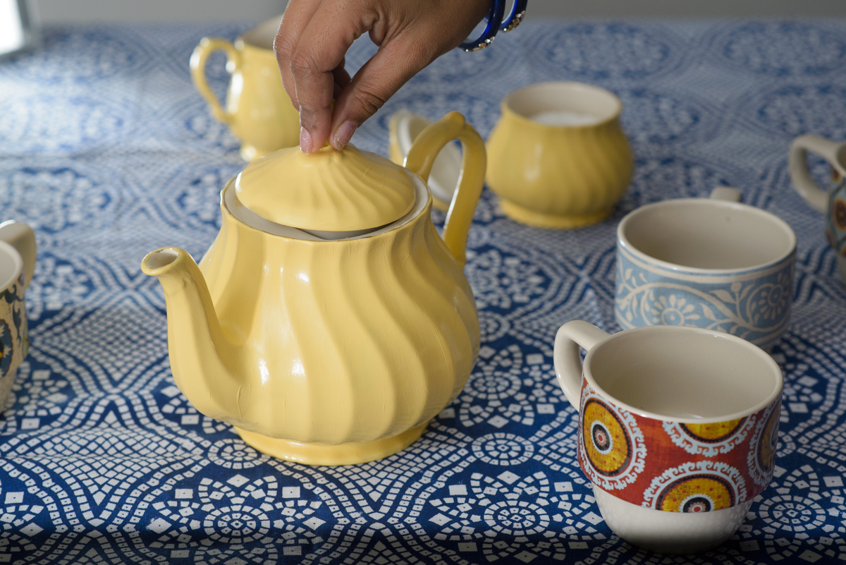 paint an old teapot