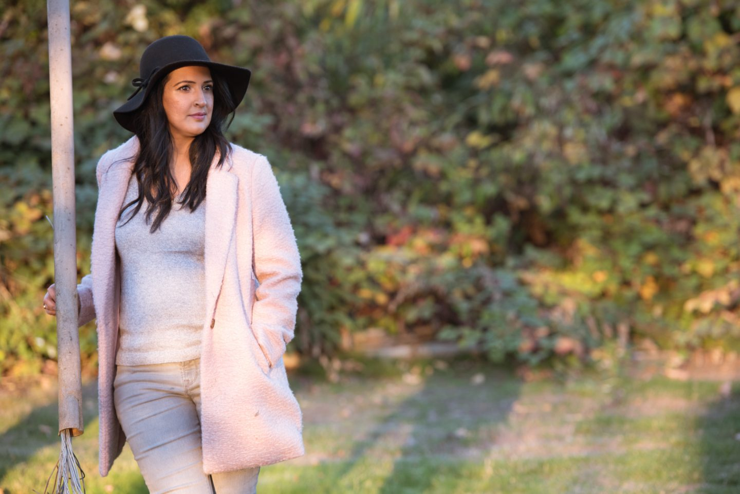 pink and grey fall outfit, grey jeans, pink coat