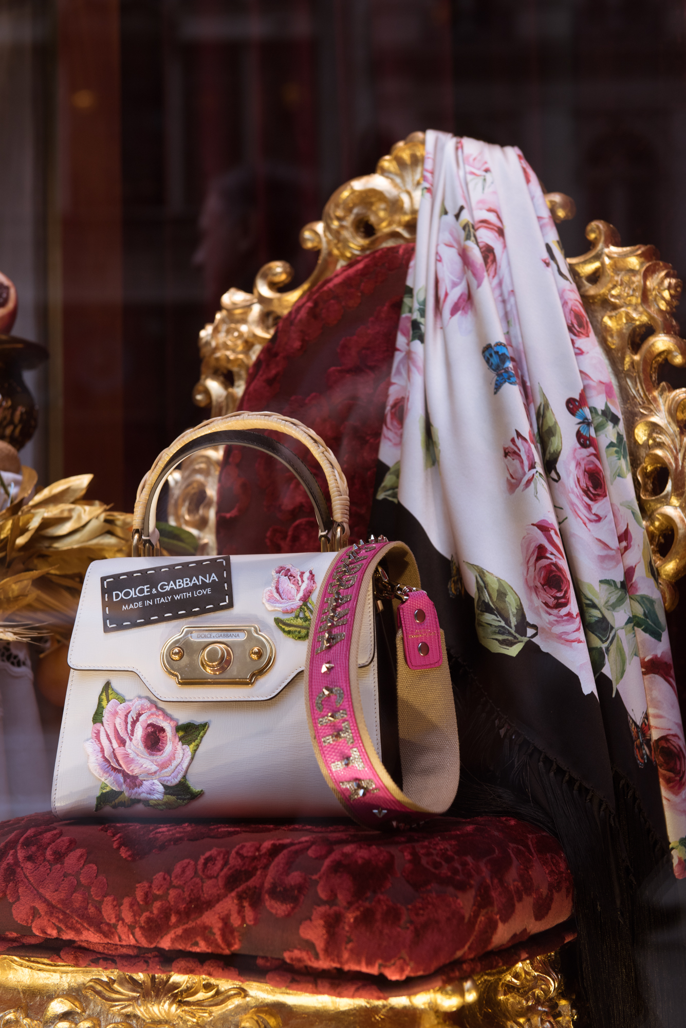 dolce and gabbana | pink chai
