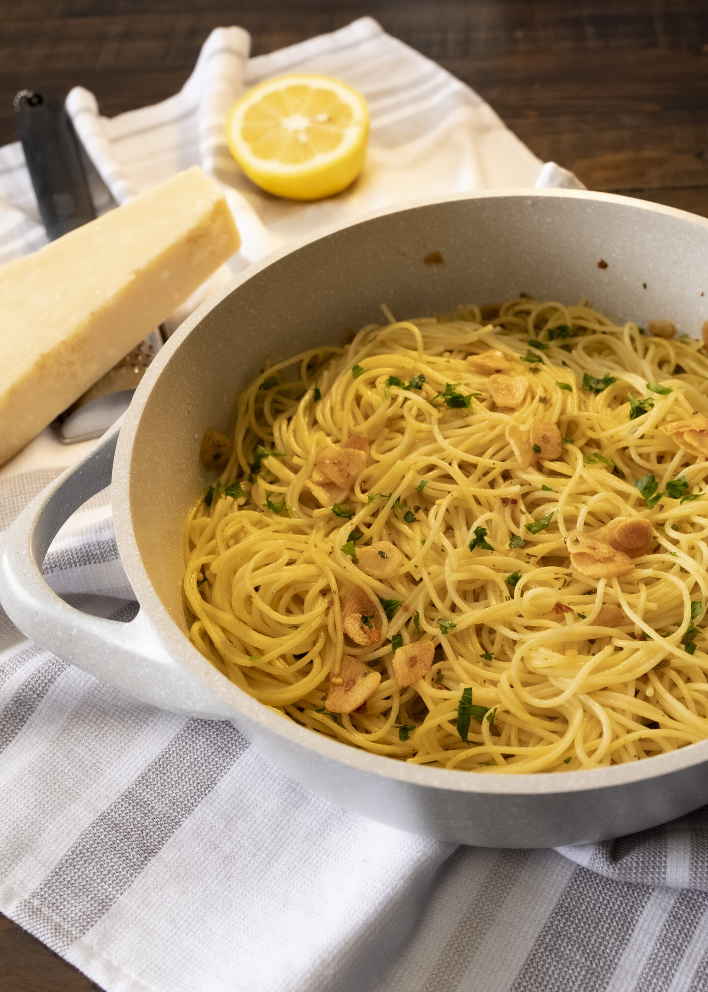 spaghetti with garlic oil and chili flake recipe